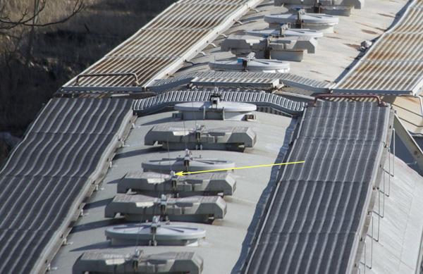 Hopper car roof antennas?